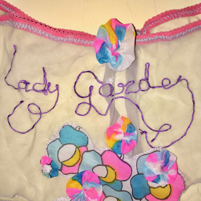 Lady-garden-details-pants-of-empowerment